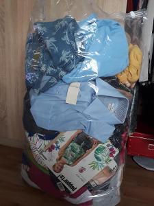 Oblečení k dalšímu prodeji