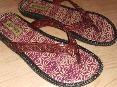 boty  žabky   pantofle  vel 37,5
