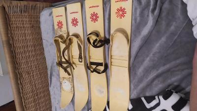 Retro dětské lyže