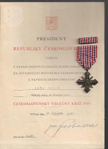 Čs. válečný kříž 1939 s dekretem a obálkou