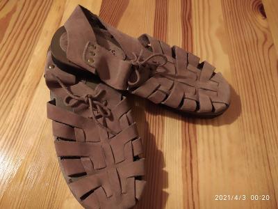 Sandály kůže béžová barva - Brazilie, koupeno v US, stelka cca 25,5 cm