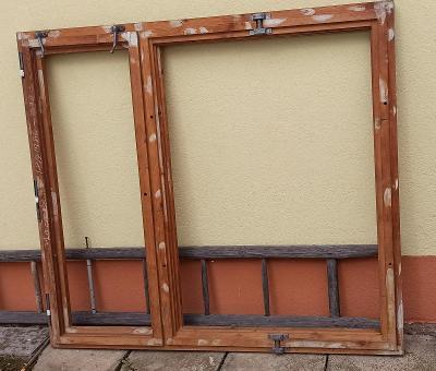 Dřevěné okno dvoudílné, vyklápěcí 158 x 178