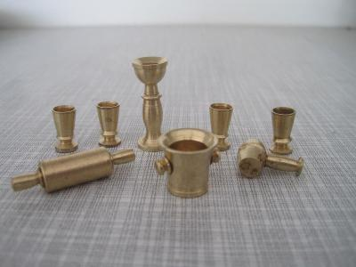 Miniatura,mosazný servis,hmoždíř,svícen,váleček,palička,pohár,dekorace
