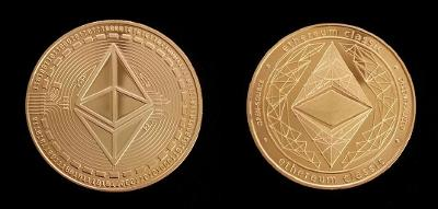 Ethereum CLASSIC BITCOIN krypto měna mince pozlacená