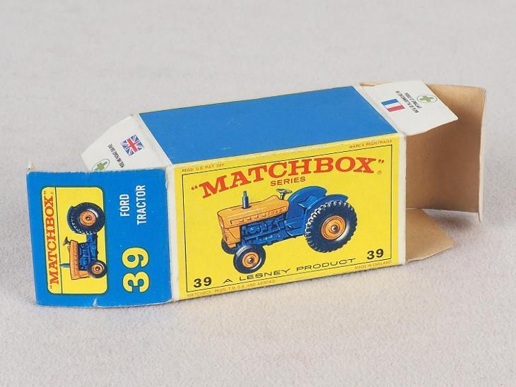 MATCHBOX REGULAR WHEELS RW-39 - FORD TRACTOR - PŮVODNÍ KRABIČKA - Modelářství