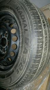 HANKOOK 215/65R16C 4ks na   originál plechovém disku Volkswagen