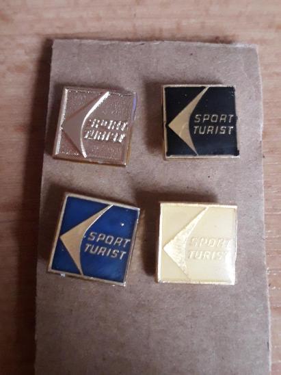 Odznaky nalezené na půdě - 4 kusů Sport Turist - Faleristika