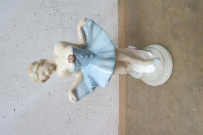 Soška -porcelán-tanečnice