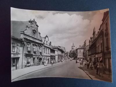 Havlíčkův Brod Dolní ulice k náměstí obchody paliva