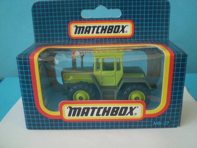 MATCHBOX -  27 TRACTOR  - MACAU - NEROZBALENÝ -  - Modelářství