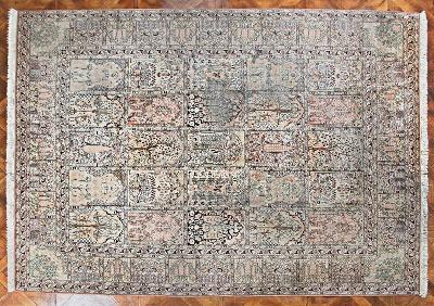 Kašmírský hedvábný koberec 349 X 250