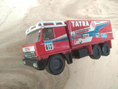 Retro hračka IGRA KDN plechové auto TATRA 815 RALLYE DAKAR