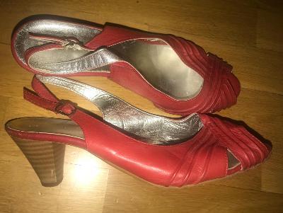 Kozene sandalky letni na podpatku lehounke, super vel. 40