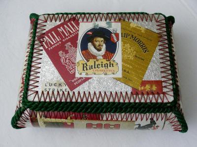 Stará reklamní - KRABIČKA - na staré cigarety, doutníky - hezká