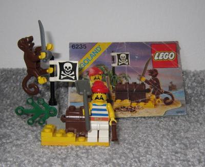 Lego 6235 Piráti, Pirát na ostrově z 80 let