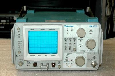 Tektronix 492/2 spektrální analyzátor 50kHz-21GHz