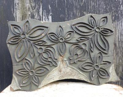 Stará matrice na textil, modrotisk, dřevo a kov