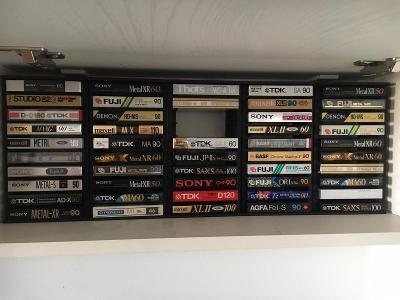 Stojan na audio kazety - prodej 6ks jako celek