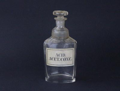 Lékovka lekárenská lahev Acid. acet. conc. broušená
