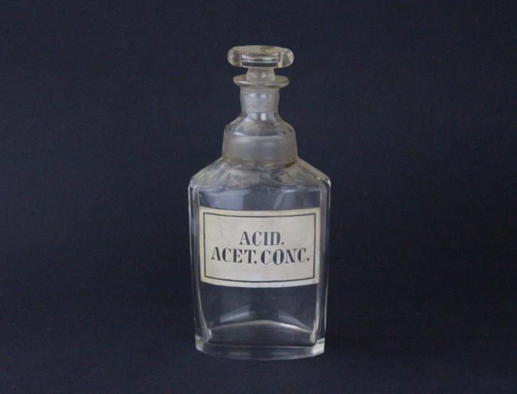 Lékovka lekárenská lahev Acid. acet. conc. broušená - Starožitnosti