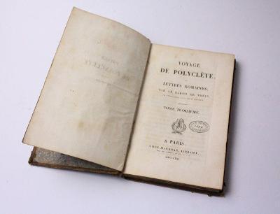 Kniha s tajnou schránkou