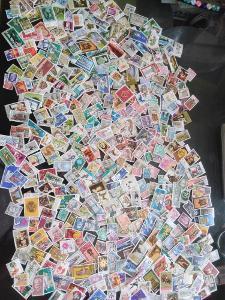 Každá jiná - poštovní známky DDR 700ks