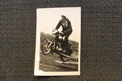 Stará fotografie - Motocykl Jawa závodní