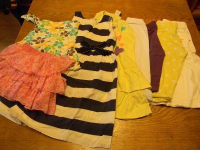 Letní oblečení - dívčí - velikost 98 - 104; 8 ks; sada 2