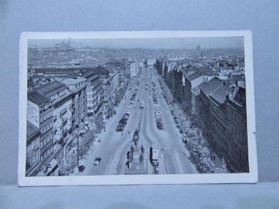 Praha Václavské náměstí- auta a tramvaj - staré pohledy měst!!!