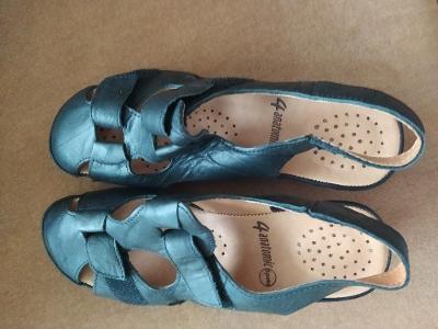 Dámské kožené sandály - boty na klínku - velikost 369