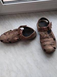 Pěkné kvalitní hnědé kožené sandály vel. 40