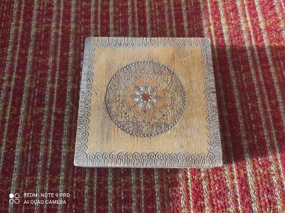 Stará ruská šperkovnice / krabička