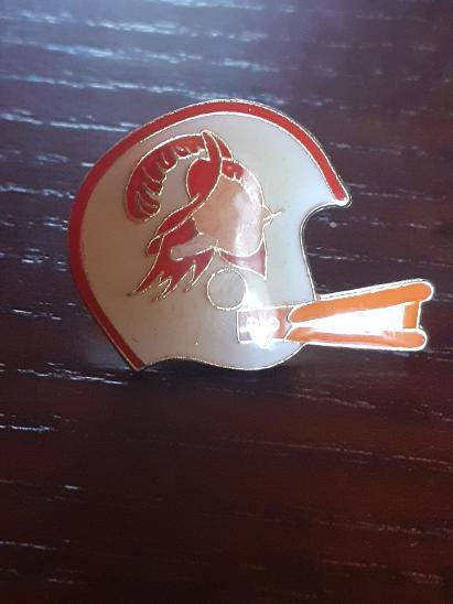 Odznak TAMPA BAY BUCCANEERS - NFL  - americký fotbal - Faleristika