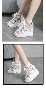 Dámské letní páskované sandálky na klínku - bílé  42