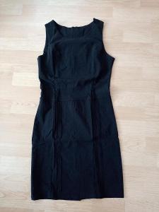 Černé šaty, S