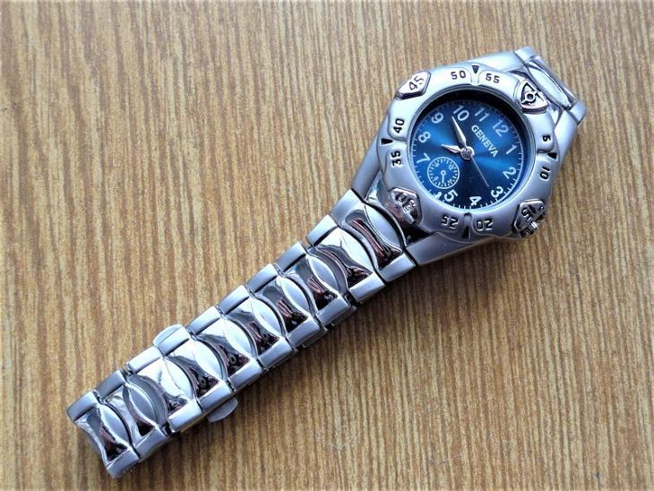 Náramkové hodinky GENEVA quartz #466-50 - Starožitnosti