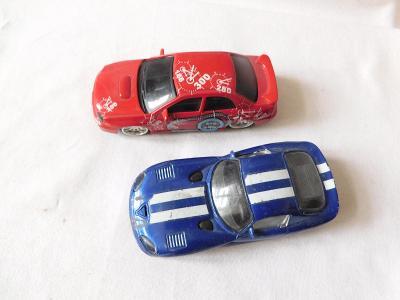 2ks autíček Matchbox + 2ks autíček Burago