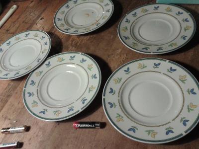 starý porcelán  - pod šálky- viz foto /841