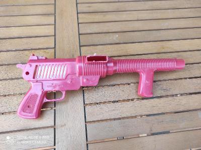 Retro hračka pistol