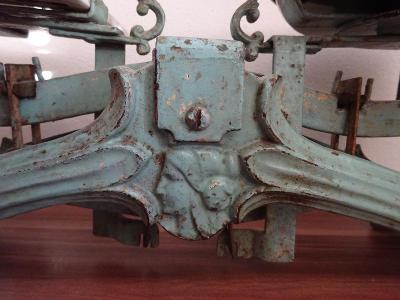 Staré váhy k dekoraci, k renovaci