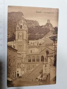 Pohled Amalfi La Cattedrale