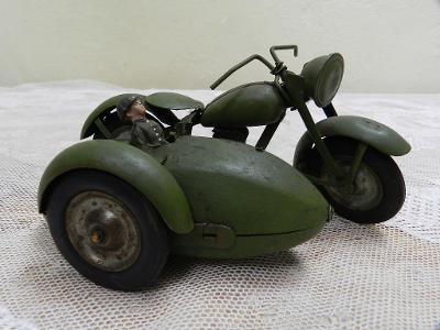 Zajímavý starý kovový Motocykl Motorka na klíček