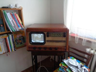 Televizor Tesla 4002A