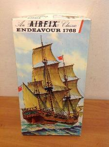 AIRFIX CLASSIC - Endeavour 1768, 1/120