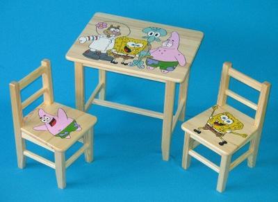 Dětský dřevěný stoleček, židličky a taburet Spongebob W26 1S+2K+1T
