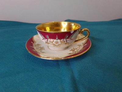 Sběratelský šálek s podšálkem - porcelán. Značeno - viz. foto.