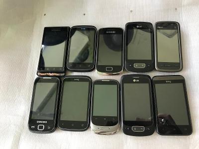 Konvolut telefonů 2