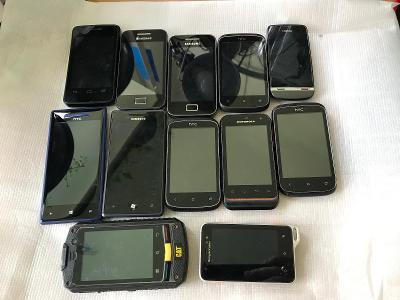 Konvolut telefonů 3