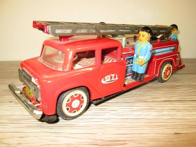 1950'S STI MADE IN JAPAN TIN FRICTION FIRE LADDER TRUCK (T1)
