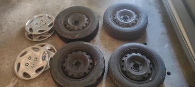 """Kola 14"""" - plechové disky+obstojné zimní pneu + poklice Peugeot 4x108"""